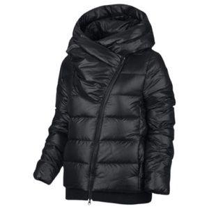 NWOT Nike Full Down Jacket Puffy Black